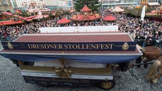 무게 3.8톤…독일서 거대 크리스마스 케이크 등장