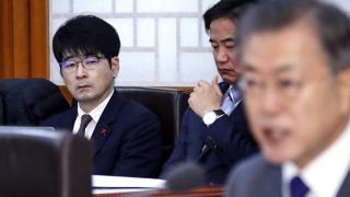"""사표제출 탁현민 """"의전비서관 제 자리 아냐"""""""