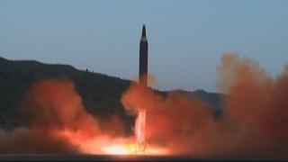 """미 """"북한 미사일 특별한 위협…경계 태세 유지해야"""""""