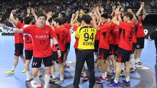 핸드볼 남북단일팀, 일본 꺾고 세계선수권 첫 승