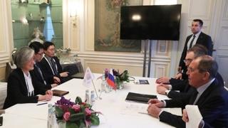 """강경화 """"러시아와 비핵화 협상 긴밀히 소통"""""""