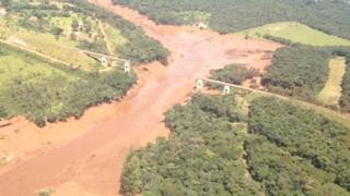 브라질 광산 댐 붕괴사고로 강 300km 오염