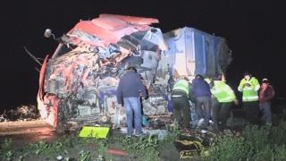 볼리비아서 버스-덤프트럭 충돌…24명 사망ㆍ15명 부상