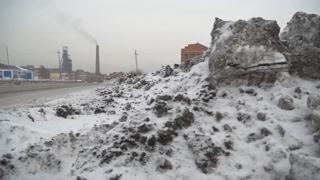 러시아 하늘에서 쏟아진 검은 눈…주민들 '불안'