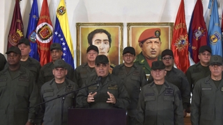 베네수엘라 군부, 마두로에 '충성'…카리브해 봉쇄
