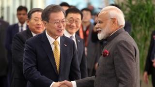 '하노이 주시' 문 대통령, 인도 세일즈외교 집중
