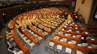 국회 대정부질문…야당, 통일장관 후보자 검증 질타