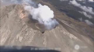 멕시코, 화산 분화…불타는 돌 2.5㎞ 날아가