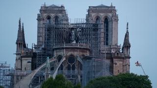 노트르담 성당 화재 완전진압…본격조사 착수