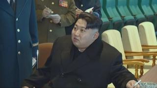 김정은, 연이틀 군사 행보…신형 전술유도무기 시험 지도