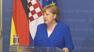 """메르켈 """"유럽, 극우 세력에 맞서 저항해야"""""""