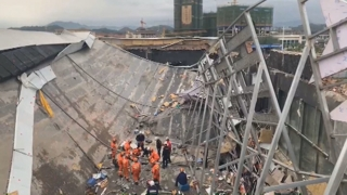 中광시 술집 지붕 무너져…2명 숨지고 83명 부상