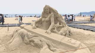 모래로 재탄생한 음악가들…부산 해운대모래축제 개막