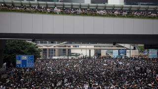 """美 """"홍콩시위 이유 이해""""…中-서방 대립으로 비화"""