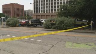 美댈러스 법원청사 밖에서 중무장 총격범 사살