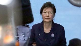 '국정원 특활비' 박근혜 2심서 징역 12년 구형