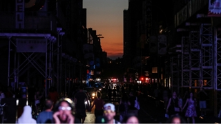 뉴욕 맨해튼 42년만에 정전…지하철·상가 '올 스톱'