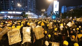 홍콩서 또 송환법 철폐 시위…경찰·시위대 난투극
