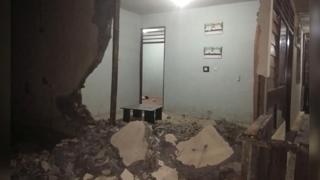 인도네시아 규모 7.3 강진…피해 잇따라