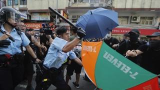 """홍콩 경무처 """"폭력으로 법치 타격""""…시위대 47명 체포"""
