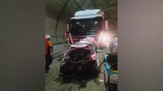 인천 북항터널 6중 추돌…4명 부상