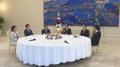 Moon y los jefes de cinco partidos políticos se unen contra las restricciones de..