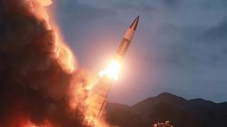 """WP """"北 신형 미사일 발사, 위협 수위 높이고 美 압박"""""""