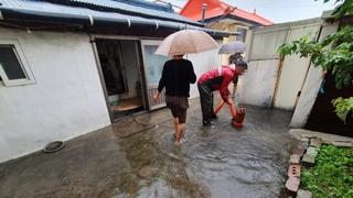 강원 영동 집중호우…주택가 침수 피해 속출