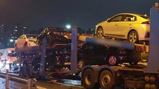 울산서 택배차량 등 8중 추돌사고…6명 부상