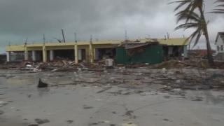 허리케인에 강타당한 바하마, 열대성폭풍 영향권