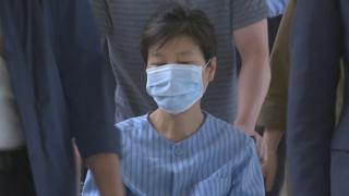 박근혜 전 대통령 오늘 입원…내일 어깨수술