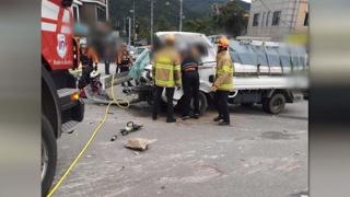 강릉서 25t 트럭·1t 트럭 충돌…3명 부상