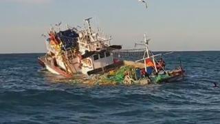 진도 해상서 어선 침수…선원 14명 구조