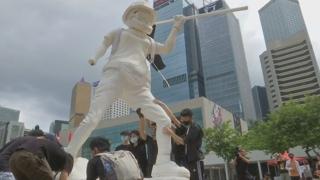 홍콩 사자산에 '자유의 여인상'…도심 곳곳서 시위