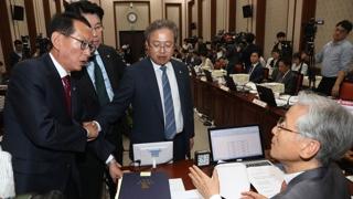 법원 국감서 '조국 동생 영장' 놓고 설전