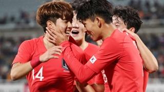 """김학범호, 우즈베크에 1-2 역전패…정우영 """"이대로라면 최종선발 안돼"""""""