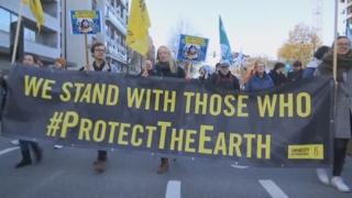 """""""기후 문제 해결하라"""" 지구촌 158개국서 동시다발 시위"""