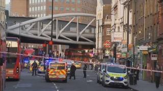英 런던브리지서 또다시 테러…칼부림에 2명 사망