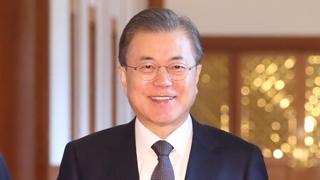 문 대통령, 왕이 中외교부장 접견…현안 논의