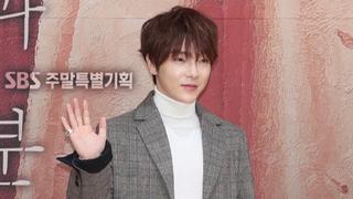 """초신성 출신 윤학, 코로나19 확진…""""서울서 치료 중"""""""