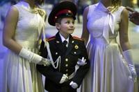 '기품있고 우아하게'…러시아 사관학교 무도회