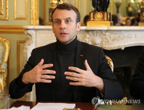 엘리제궁의 마크롱 프랑스 대통령