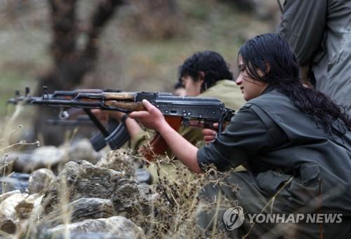 이라크 북부 칸딜에서 훈련하는 PKK