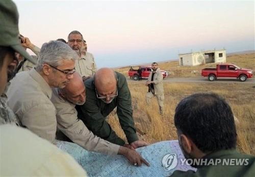 시리아내전 현장 찾은 모하마드 바게리 이란 군참모총장(왼쪽)