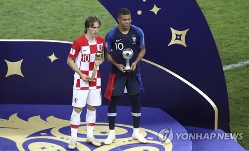 [월드컵] '발칸의 크루이프' 모드리치, 준우승에도 골든볼 수상