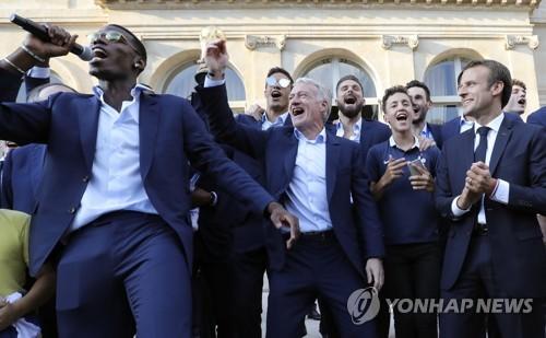파리 지하철역, 월드컵 영웅들 이름으로 바꿔 달아