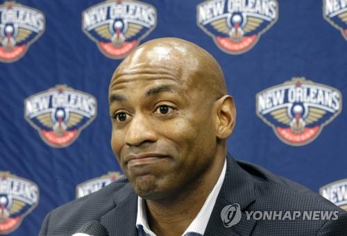 데이비스 트레이드 요구 소동에 NBA 뉴올리언스 단장 물러나