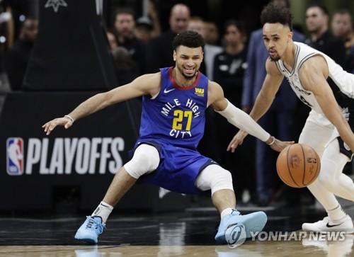 NBA 서부 7위 샌안토니오, 2위 덴버 상대로 2승 1패 '리드'