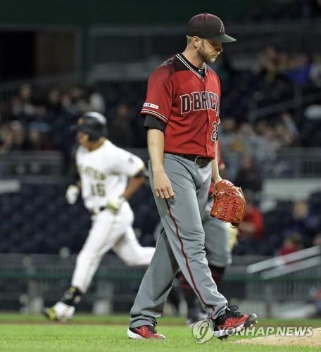 강정호, KBO 출신 켈리 상대로 MLB 통산 40호 홈런(종합2보)