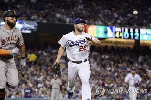커쇼, 올 시즌 첫 무실점 투구…다저스, 샌프란시스코에 완승